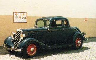 1934 Ford Coupe, Dark Blue