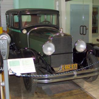 1928 Studebaker Sedan