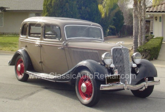 1933 Ford Deluxe Fordor