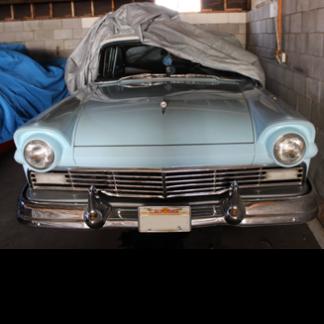 1957 Ford Custom, blue
