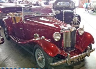 1957 MG Red